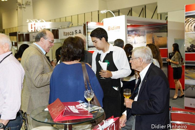 Occasion: Prof. Mitchell's visit to Universidade Federal de Goiás in 2015. Photo Contributor: Maurício M. Sales via Rodrigo Salgado.